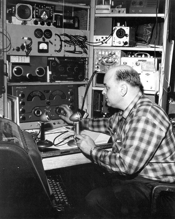 Bob Molitor, St. Cloud, Minnesota coordinating Emergency Radio Net demonstration.