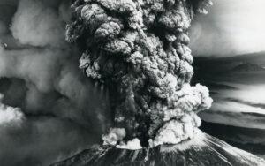 Mount St. Helens erupting 1980.