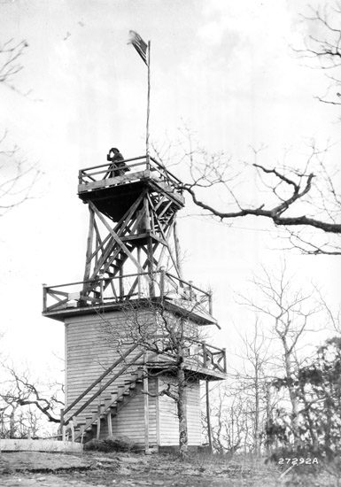 Fire lookout tower, North Carolina, 1916.